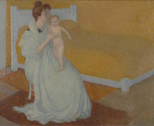 Mutter und Kind vor gelbem Bett