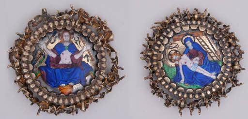 Zwei Broschen (Pietà und Auferstandener Christus), Einfassungen in Form der Dornenkrone