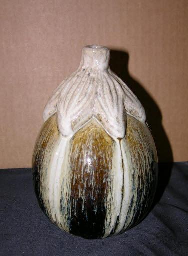 Vase in Auberginenform