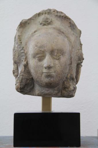 Kopf einer Heiligen