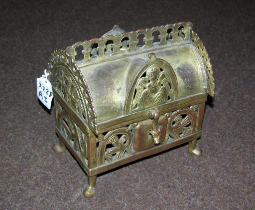 Reliquienkästchen im Stil des 13. Jahrhunderts