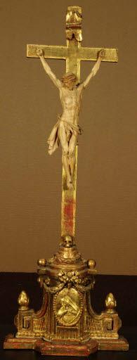Kruzifix im klassizistischen Stil